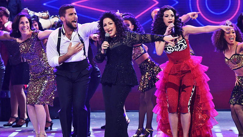 Gloria Estefan and the Broadway cast of On Your Feet