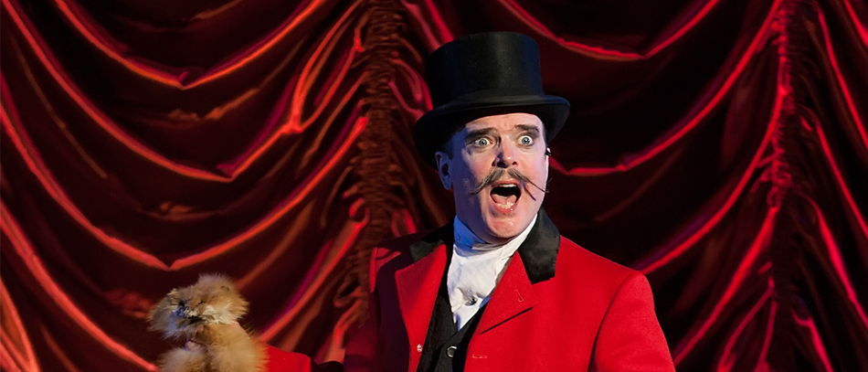 Jefferson Mays on Broadway in A Gentleman's Guide to Love an Murder