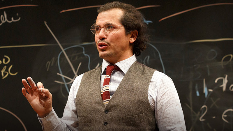 Leguizamo Makes Broadway Return