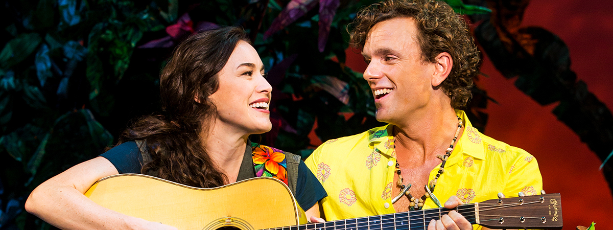 Alison Luff and Paul Alexander Nolan in the musical Escape to Margaritaville