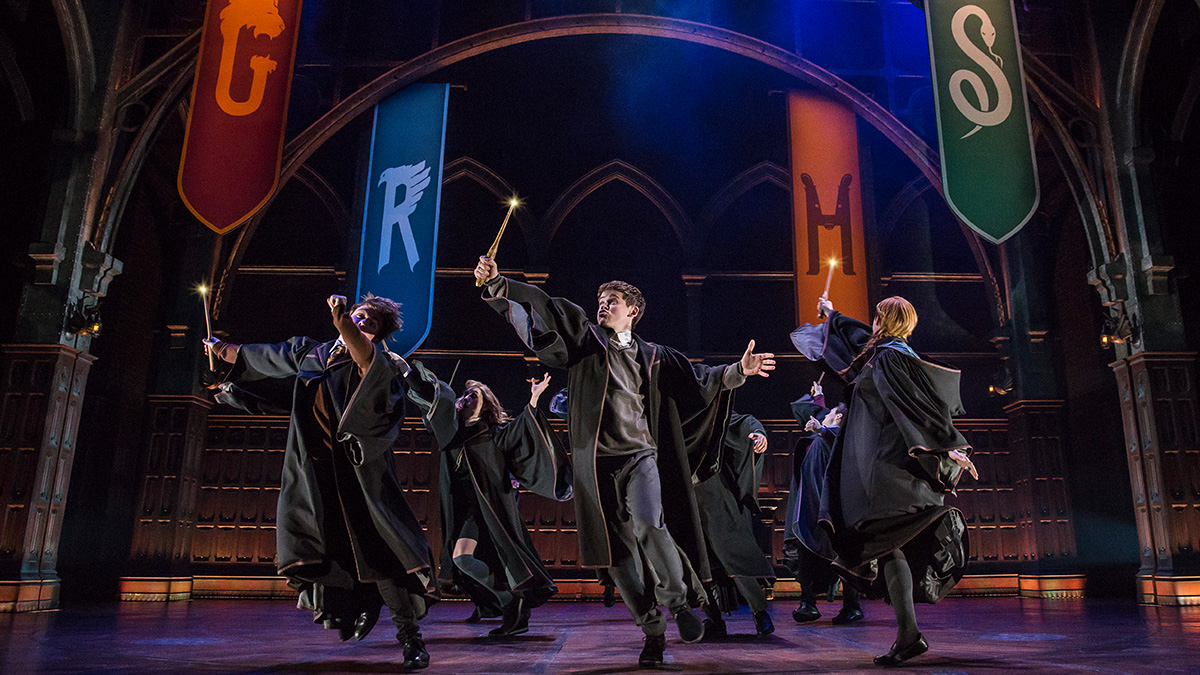 The company of Harry Potter and the Cursed Child. Photo by Matthew Murphy.
