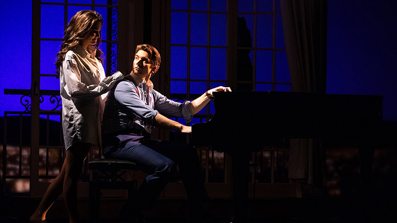 Samantha Barks and Andy Karl in <i>Pretty Woman: The Musical</i>. Photo by Matthew Murphy.