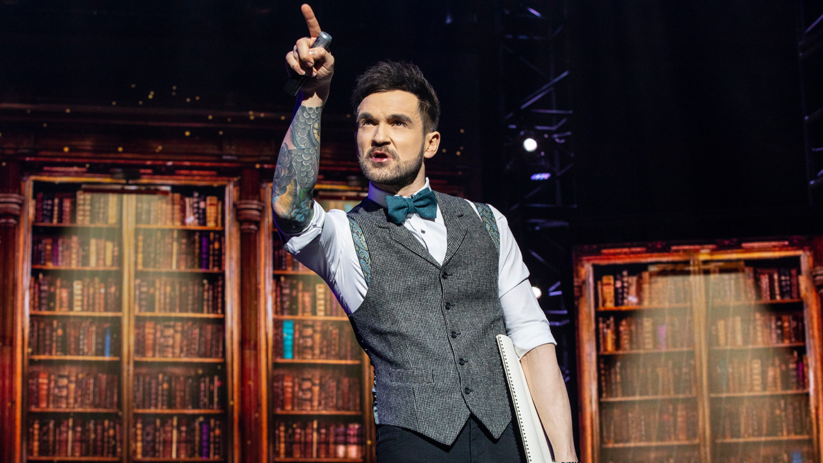 Colin Cloud in The Illusionists - Magic of the Holidays. Photo by Joan Marcus.