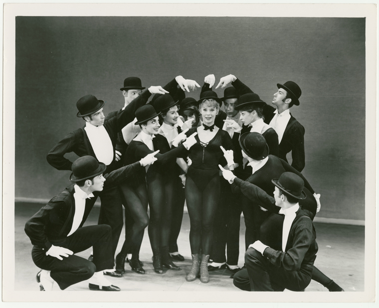 Gwen Verdon and the company of Redhead