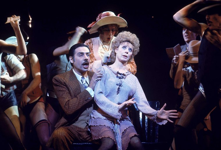 Jerry Orbach, Gwen Verdon , and company in the original Broadway production of Chicago.