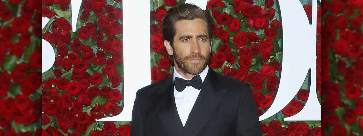 Jake Gylenhaal on the red carpet at the tony awards