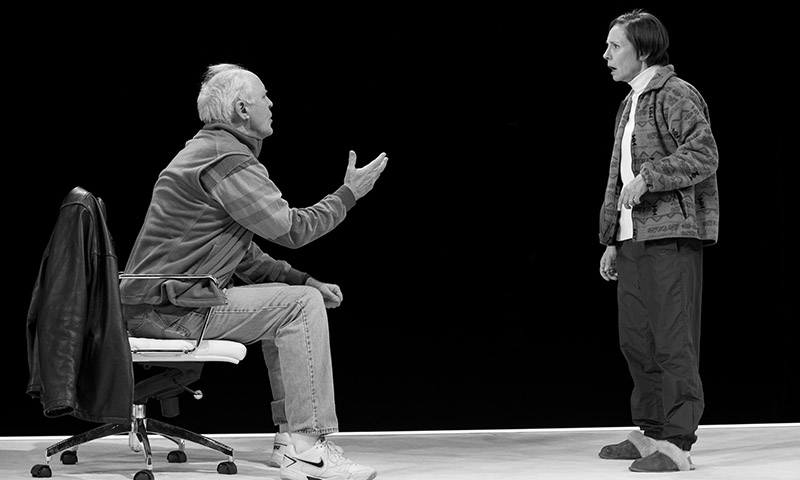 John Lithgow and Laurie Metcalf in <i>Hillary and Clinton</i>. Photo by Julieta Cervantes.