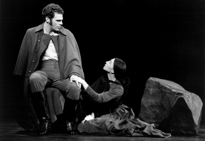 Jere Shea and Donna Murphy in Passion.