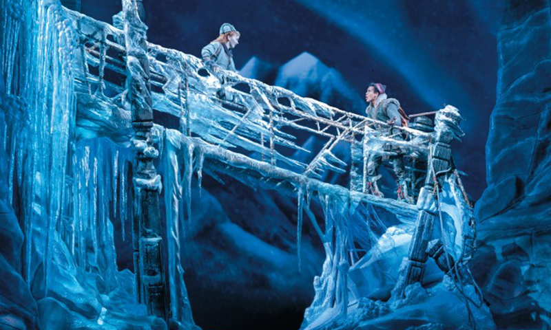 Caroline Innerbichler and Mason Reeves in the national tour of <i>Frozen</i>. Photo by Deen van Meer.