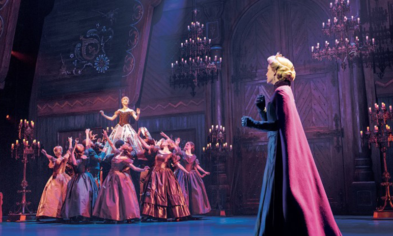 Caroline Innerbichler, Caroline Bowman, and the cast of the national tour of <i>Frozen</i>. Photo by Deen van Meer.