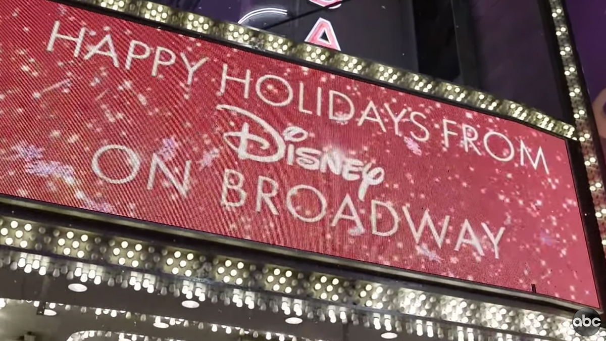 Disney on Broadway Performs Let It Go